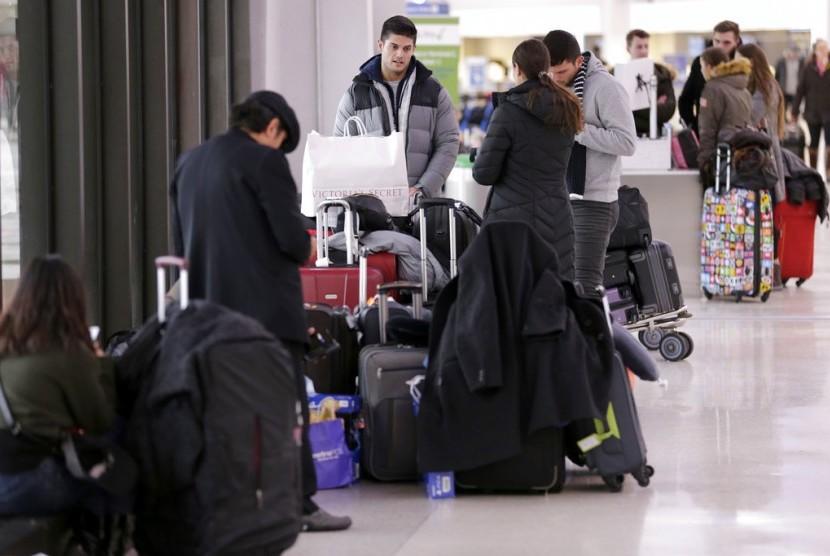 Angin Kencang dan Salju Batalkan Ribuan Penerbangan AS