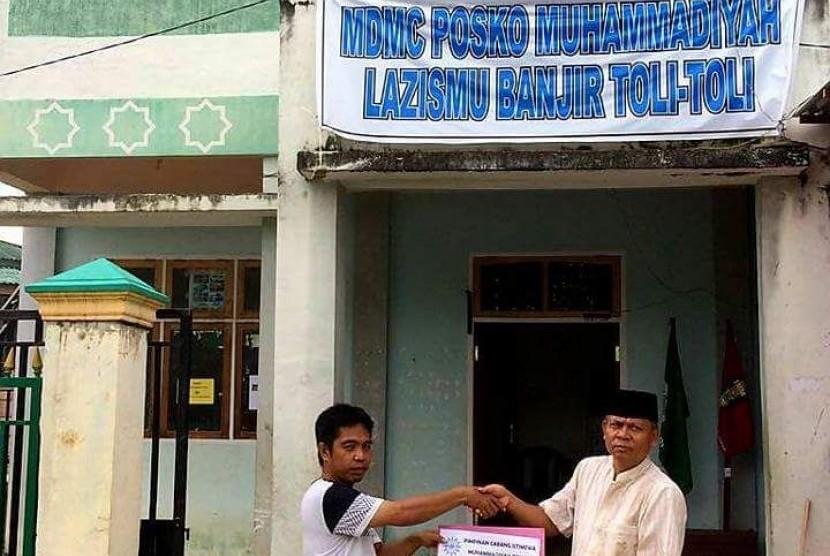 Penyaluran bantuan LazisMu di Kabupaten Tolitoli
