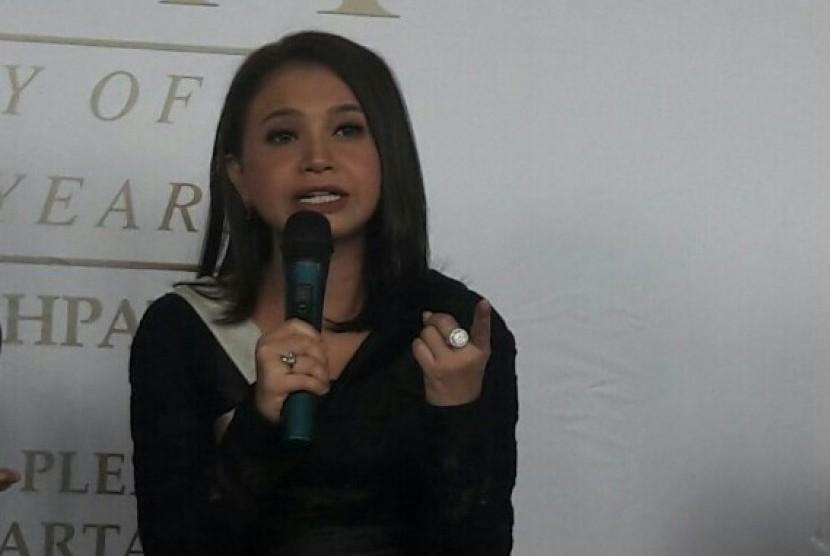 Penyanyi Rossa menjadi salah satu pembicara dalam acara IME Conference yang digelar  The British School Jakarta, Jumat (15/9).