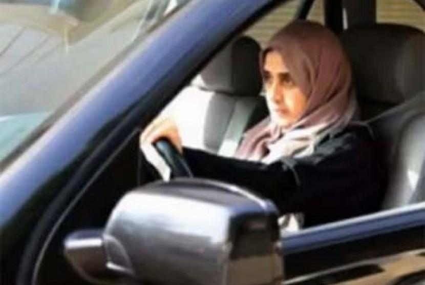 Perempuan Saudi mengemudi
