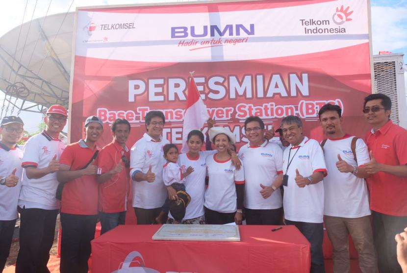Peresmian BTS Telkomsel di Pulau Liran, Maluku Barat Daya, Senin (7/8).