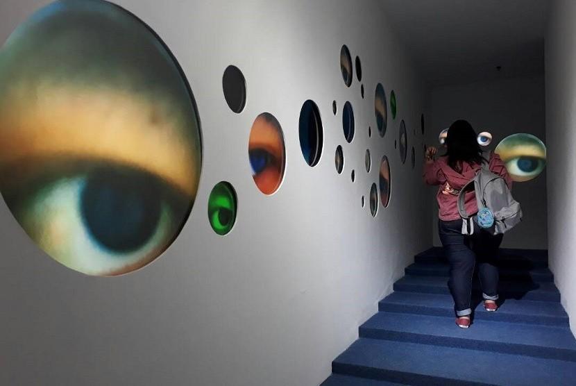 Salah satu karya Titin Wulia di Pameran Art Biennale 2017