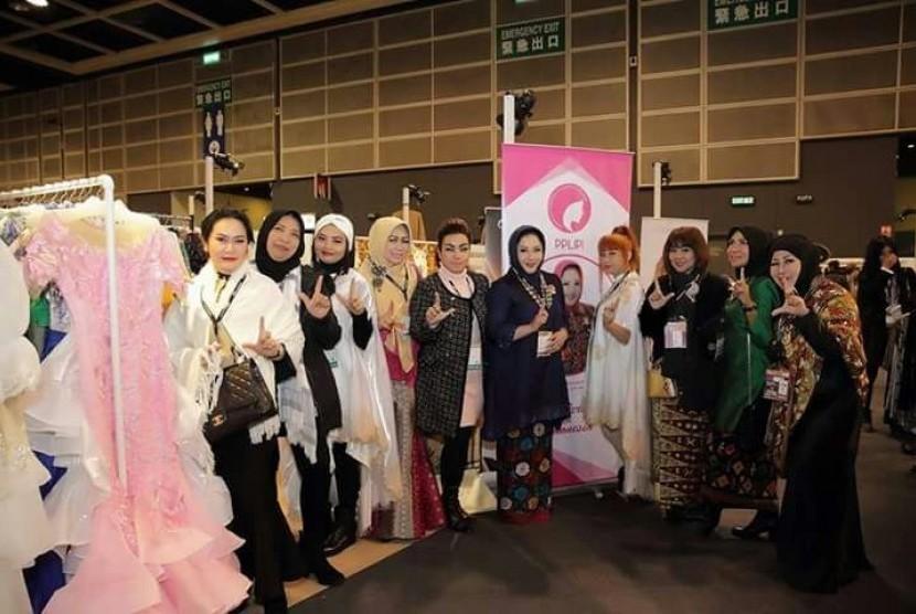 Perhimpunan Perempuan Lintas Profesi Indonesia (PPLIPI) ikut andil di ajang Hong Kong Fashion Week 2018