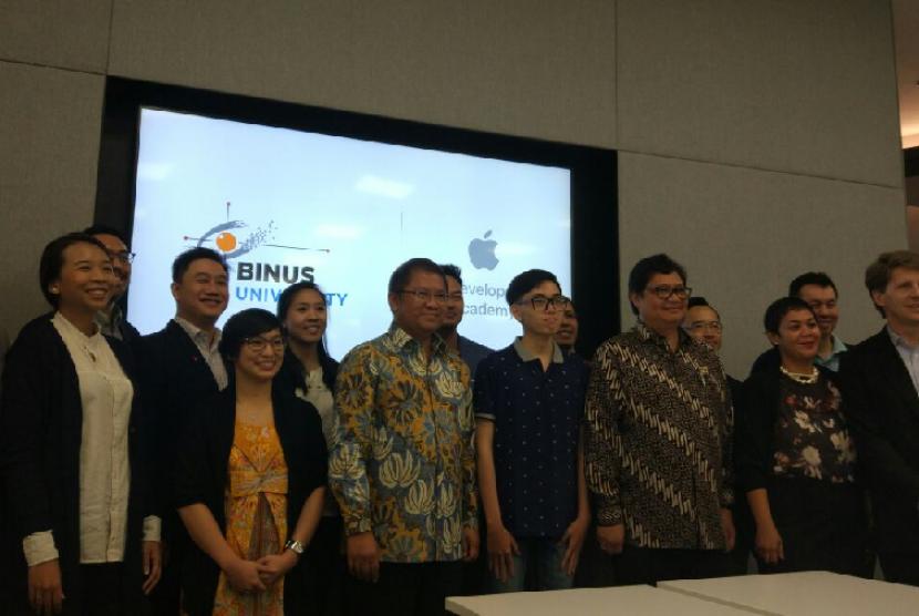 Perusahaan teknologi asal Amerika Serikat, Apple, resmi membuka Developer Academy pertamanya di Asia, yang berlokasi di Bumi Serpong Damai, Tangerang Selatan, Senin (7/5).