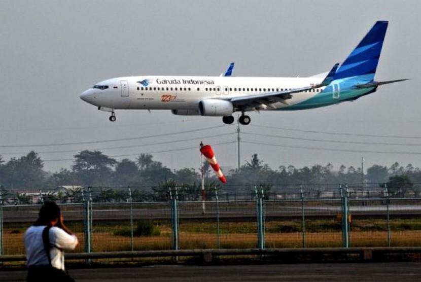 Pesawat Garuda saat mendarat di Bandara Soekarno-Hatta, Cengkareng, Banten.