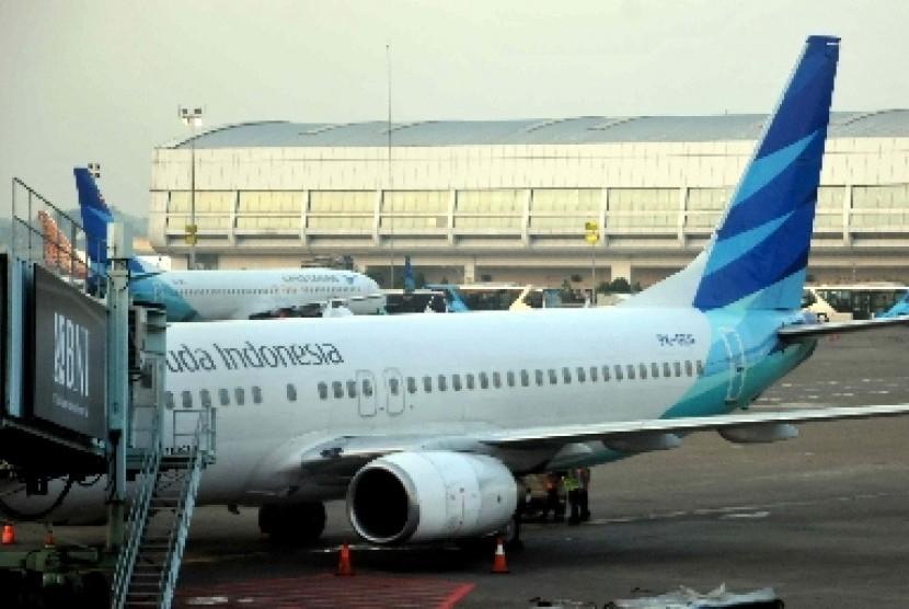 Pesawat milik maskapai Garuda Indonesia parkir di Terminal 2 Bandara Internsional Soekarno-Hatta, Banten. (ilustrasi)