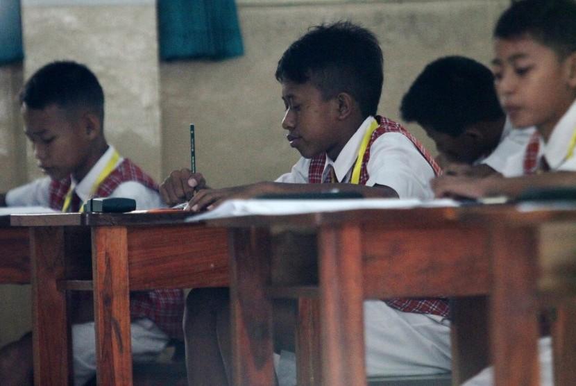 Peserta Ujian Nasional (UN) tingkat Sekolah Dasar (ilustrasi)