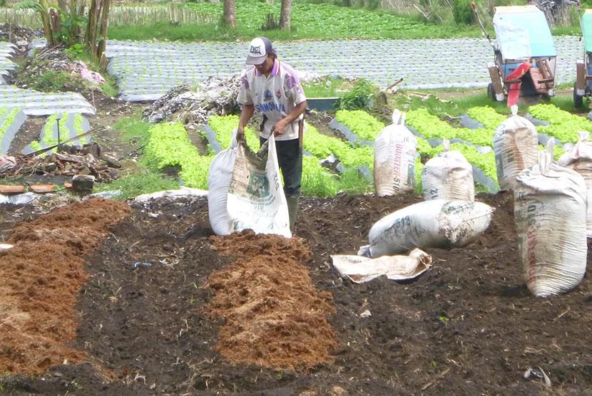 Petani di Lembang tak Pernah Peroleh Pupuk Bersubsidi