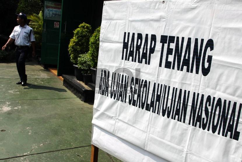 Disdikpora Bali Siapkan 20 Paket Soal Untuk Pemantapan Un Sma Republika Online