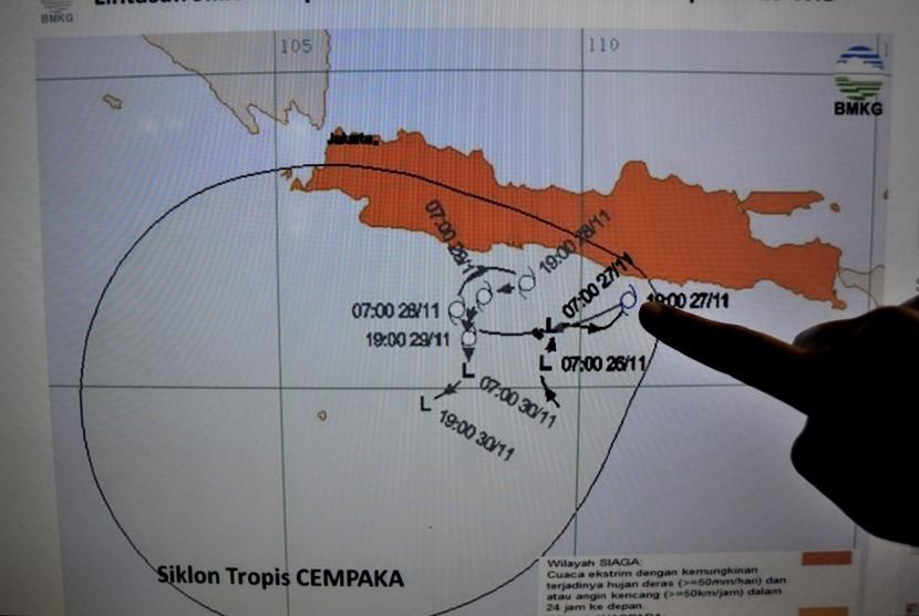 Badai Siklon Tropis Cempaka Akibatkan 900 Hektare Padi Puso