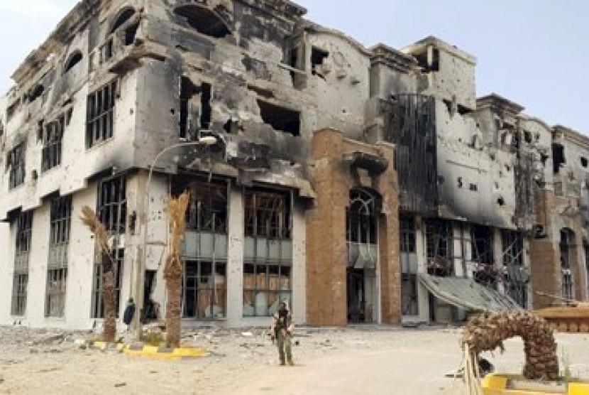 Petugas keamanan berjaga-jaga di Bengazi, Libya