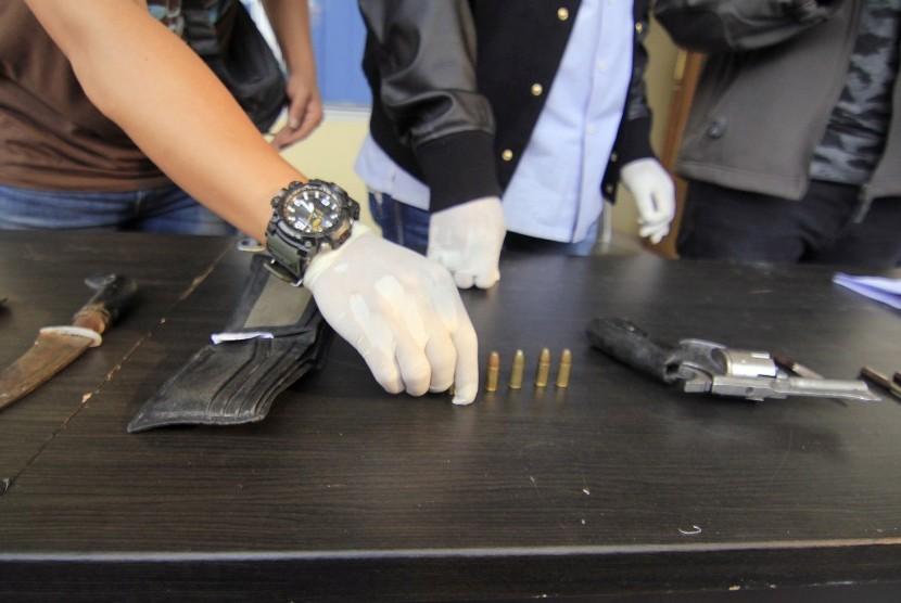 Pengamat: Senjata Api Itu Modal Bagi Pelaku Kriminal