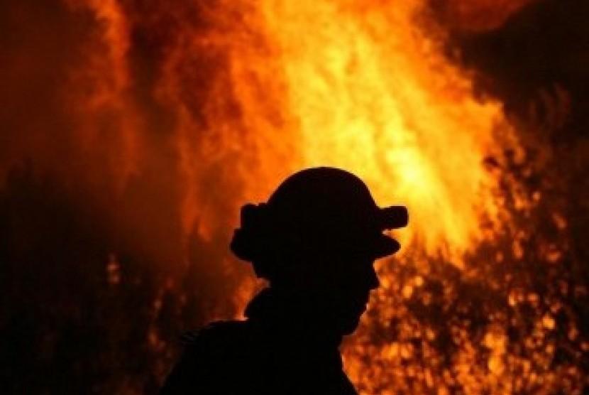 Petugas pemadam kebakaran. Ilustrasi