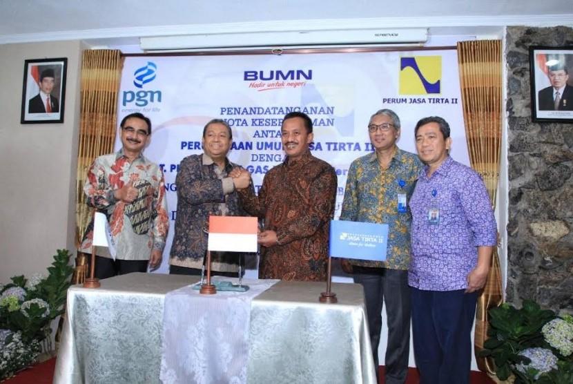 PGN menjalin kerja sama dengan Perusahaan Umum Jasa Tirta (PTJ) II.