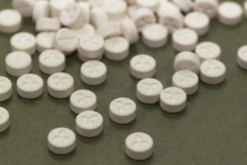 Polisi Tangkap Penjual Pil Koplo