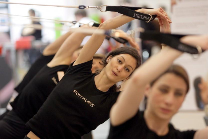 Pilates merupakan salah satu gerakan dalam olahraga piloxing.