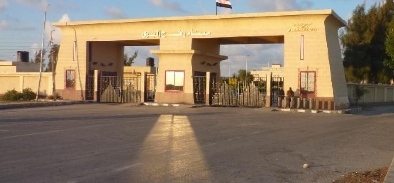 Pintu gerbang perbatasan Rafah yang memisahkan wilayah Mesir dan Palestina.