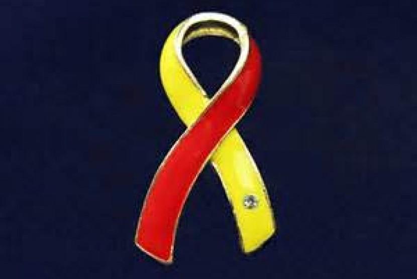 Pita merah kuning simbol Hepatitis C,