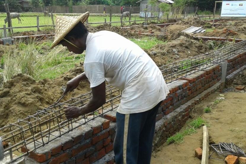PKPU-HI membangun kembali sekolah untuk anak-anak pengungsi Rohingya.
