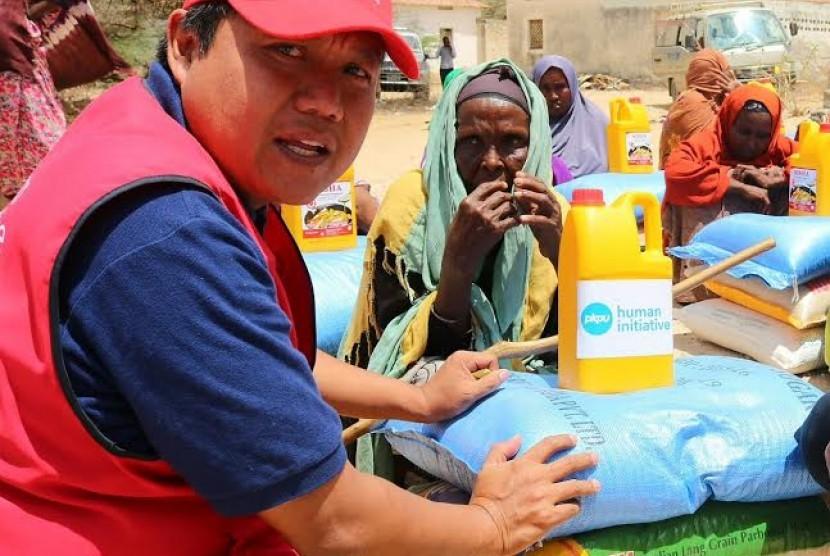 PKPU Human Initiative membantu musibah kelaparan yang terjadi di Somalia.