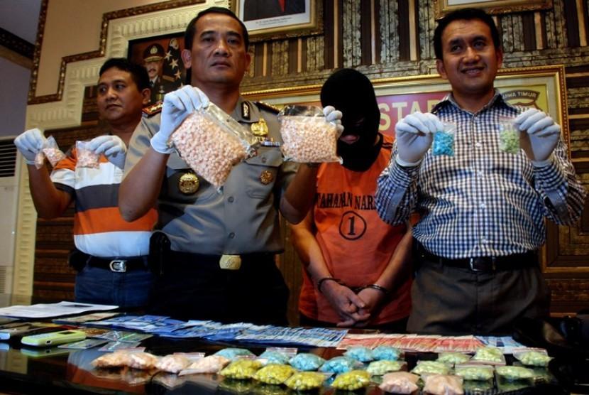 Polisi Gagalkan Penyelundupan Pil Ineks