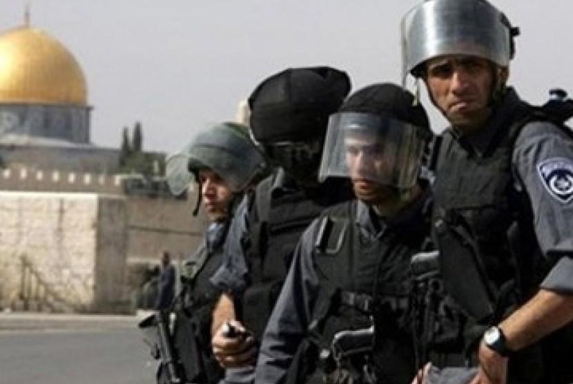 Israel Isolasi Tepi Barat dan Gaza