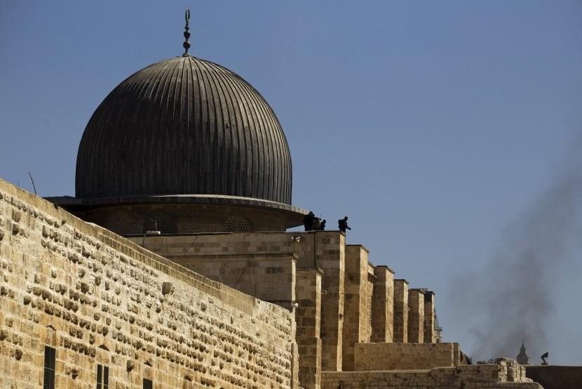 Israel Larang Warga Gaza Kunjungi Masjid Al-Aqsha