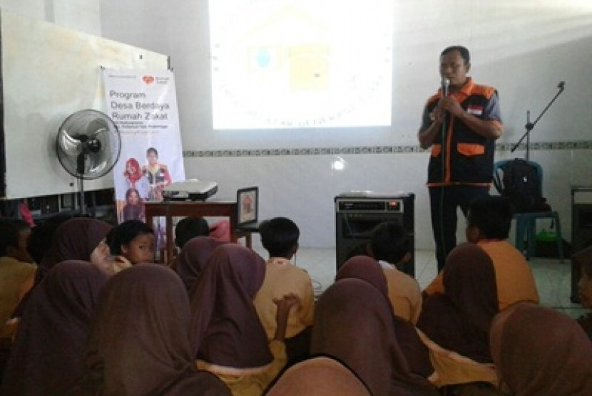 Pondok Baca Sang Juara di Desa Kedungrejoso, Probolinggo, Jawa Timur.