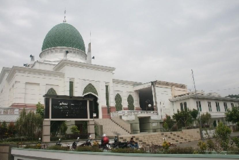 Pesantren Al-Hikam Kirim Ustadz ke Perbatasan Indonesia