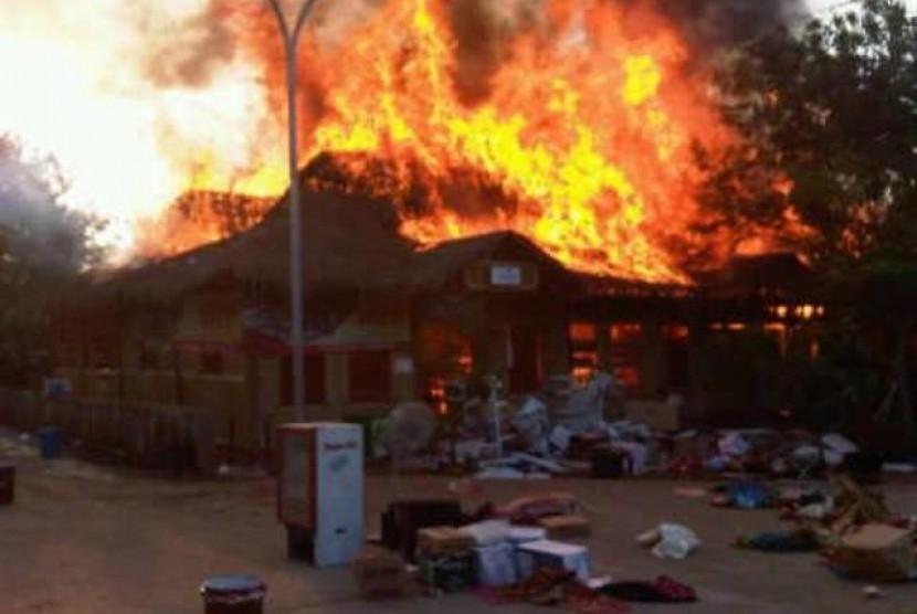 Ponpes Darul Quran pimpinan Ustaz Yusuf Mansur terbakar, Jumat (4/10) petang.