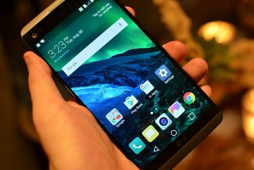 Ponsel LG V20 siap luncur Oktober mendatang.