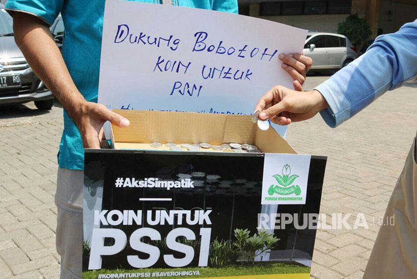 PP Muhammadiyah kumpulkan donasi untuk dukung Bobotoh Persib yang terkena sanksi PSSI akibat aksinya membuat Kreo SaveRohingya saat pertandingan melawan Semen Padang.