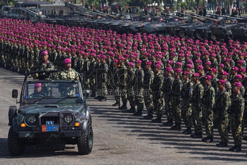 HUT Marinir ke-70 Dimeriahkan Ribuan - 523.1KB