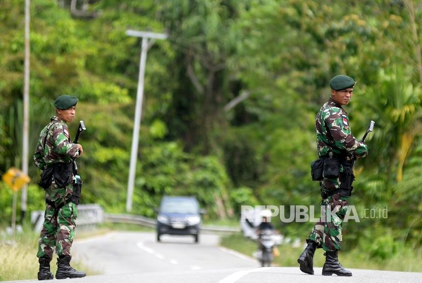 Prajurit TNI di Papua berjaga (ilustrasi).