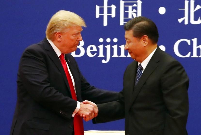 Presiden AS Donald Trump dan Presiden Cina Xi Jinping di Great Hall of the People di Beijing, Cina.