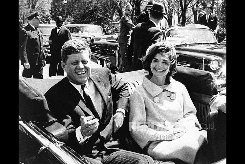 Presiden AS John F. Kennedy dan isterinya Jacqueline Kennedy