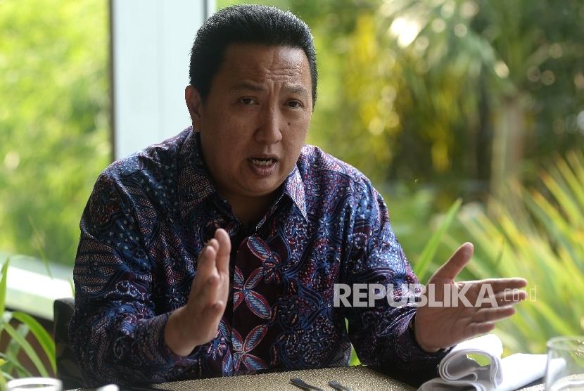 Presiden Direktur PT Adaro Energy Tbk Garibaldi Thohir saat di wawancarai Republika, Jakarta, Senin (2/10).