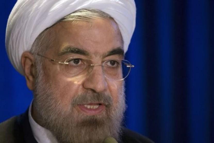 Rouhani Periksa Kerusakan Gempa Iran