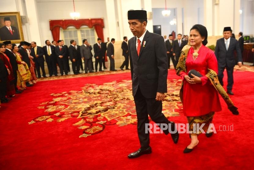 Presiden Joko Widodo bersama Ibu Iriana.