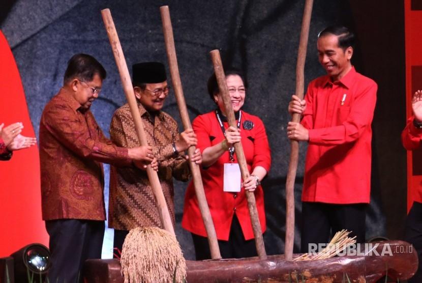Jokowi: Indonesia Beruntung Punya PDIP