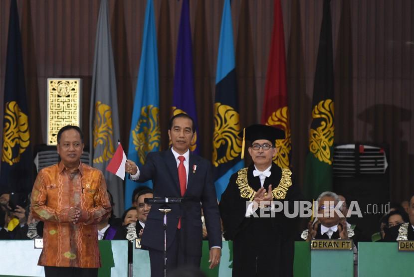 http://static.republika.co.id/uploads/images/inpicture_slide/presiden-joko-widodo-kedua-kiri-bersama-menristekdikti-m-nasir-_180202150002-151.jpg