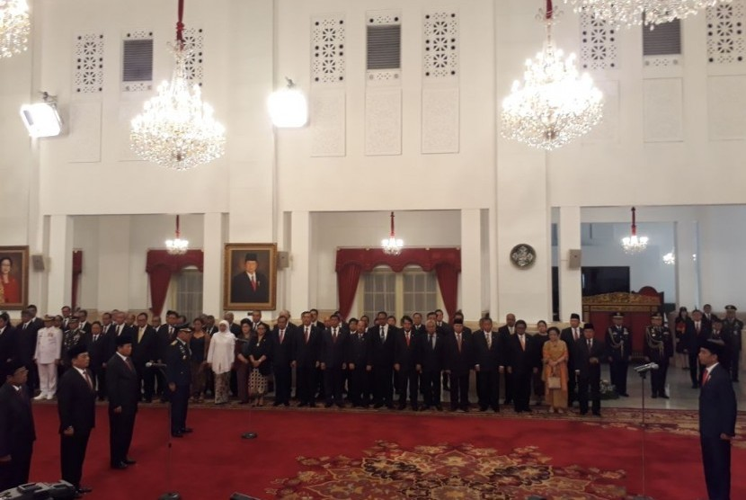 Jokowi dan Rabu yang Selalu Dipilihnya