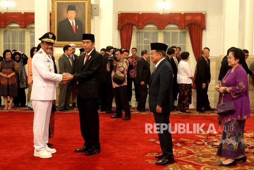 Presiden Joko Widodo dan Gubernur DKI Jakarta Djarot Saiful Hidayat