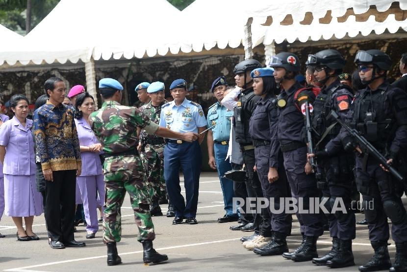Jokowi Kerjai Paspampres