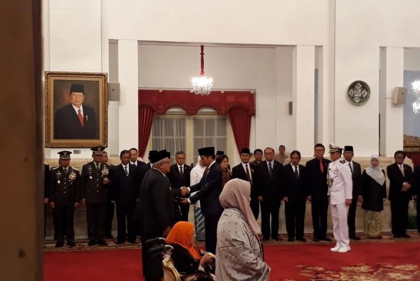 Presiden Jokowi Beri Gelar Empat Pahlawan Nasional