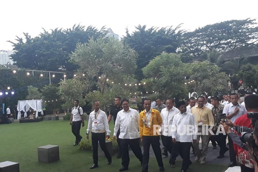 Buka Puasa Golkar, Jokowi Berjaket Kuning Asian Games
