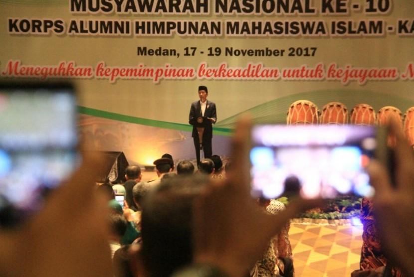 Presiden Jokowi saat membuka Munas Ke-10 KAHMI di Medan, Jumat (17/11).
