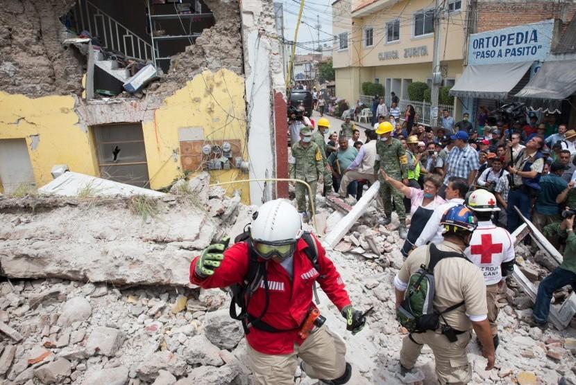 Korban Tewas Gempa Meksiko Hampir 300 Orang