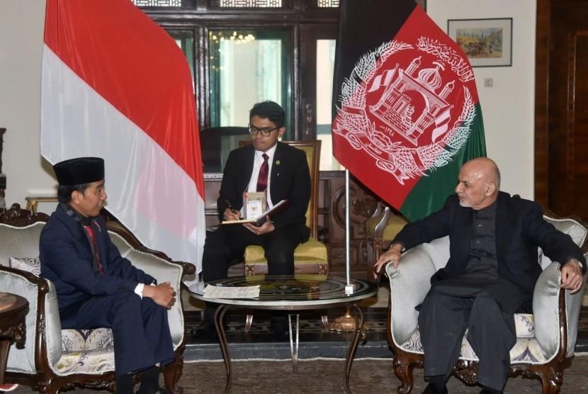 Presiden RI, Joko Widodo bersama Presiden Afganistan, Ashraf Ghan