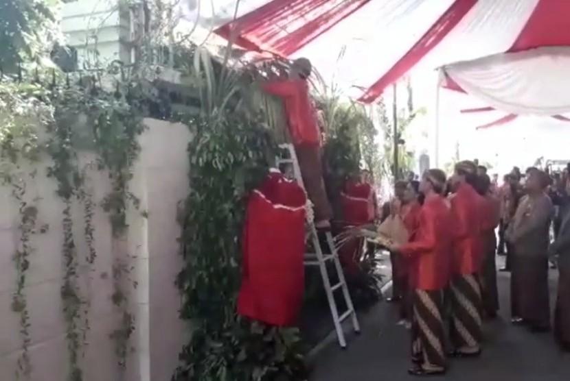 Seskab: Pernikahan Putri Jokowi Sederhana, Karpetnya Bekas